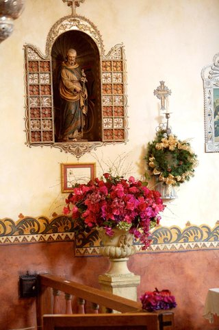 jewel-tone-floral-arrangement-in-spanish-style-mission-church