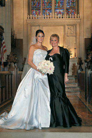 bride-and-her-mother-inside-church