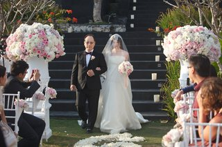 chinese-father-of-bride-walks-gladys-down-aisle
