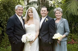 bride-and-groom-with-mother-and-father-of-groom