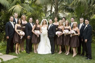 spring-wedding-party-bridesmaids-and-groomsmen