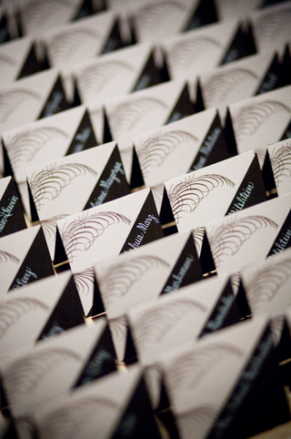 artistic-seating-cards-with-triangle-shapes
