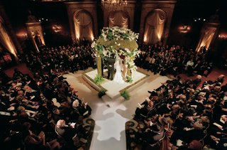 jewish-wedding-with-chuppah-in-center