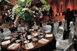 1930s-inspired-tablescape-and-chairs