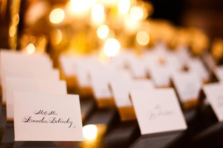 white-place-cards-with-black-calligraphy