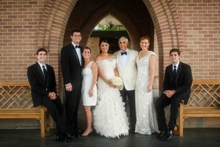 bride-with-mom-dad-and-brothers-at-wedding