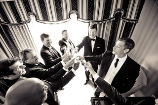 black-and-white-photo-of-steve-finley-and-groomsmen