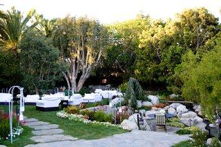 malibu-estate-outdoor-seating-area