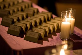 gold-and-white-seating-card-display