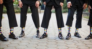 groom-and-groomsmen-wearing-argyle-sock