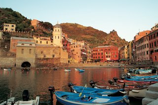 marina-in-vernazza-italy-in-cinque-terre-region