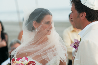 beach-wedding-veil-over-brides-face