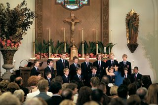 wedding-ceremony-with-a-boys-choir