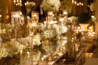 white-and-gold-wedding-decorations-with-clear-table