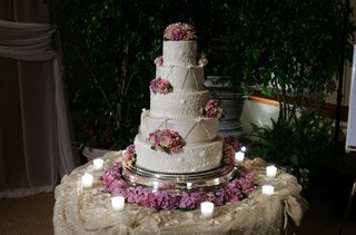 intricate-confection-design-with-purple-flowers