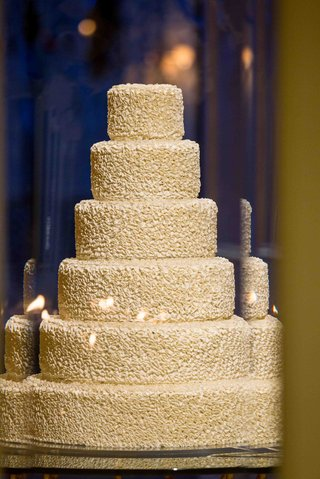 white-ruffle-wedding-cake-with-round-tiers