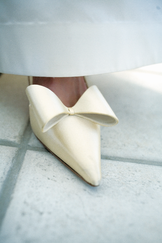 kate-spade-ivory-wedding-high-heels-with-bow