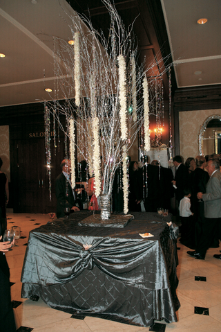 crystal-and-orchid-tree-in-townsend-ballroom