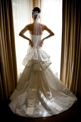 tier-wedding-dress-skirt-with-net-veil