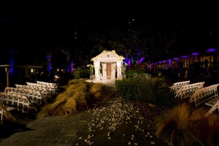 wedding-ceremony-at-night-with-bright-lights