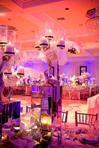 glamorous-reception-centerpiece-with-plumes