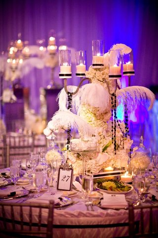 glamorous-wedding-reception-flower-arrangement