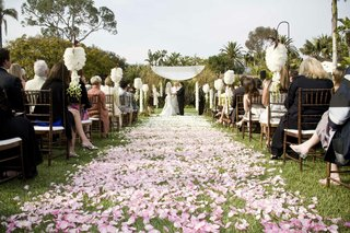 pink-ombre-outdoor-wedding-ceremony-aisle
