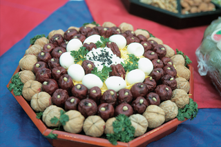 dates-and-chestnuts-for-a-traditional-korean-wedding-ceremony