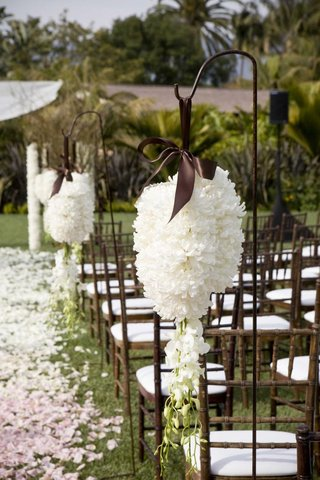wedding-ceremony-aisle-decoration-with-shepherds-hooks