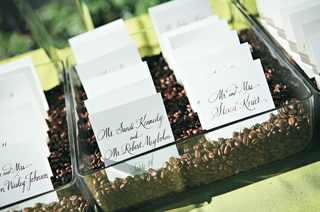coffee-bean-seating-card-display