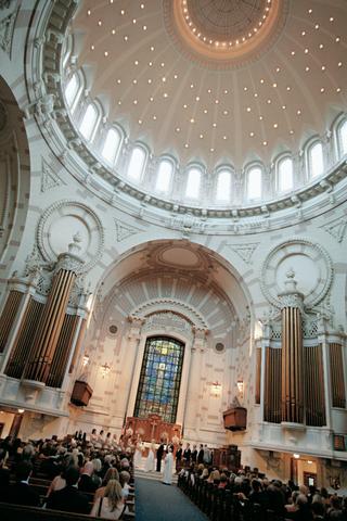 rotunda-and-interior-of-united-states-naval-academy-chapel