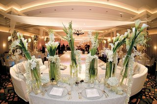 ivory-and-white-flowers-and-linens-in-ballroom