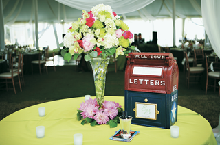 unique-guestbook-display-with-classic-mail-replica