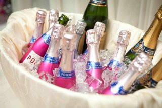 bottles-of-pommery-champagne-on-ice-at-wedding-cocktail-party