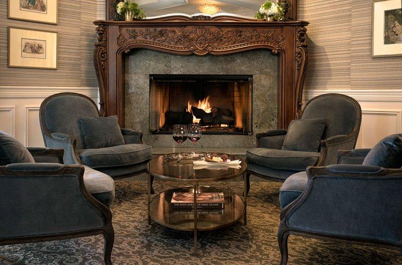 Lounge Area at Santa Ynez Inn