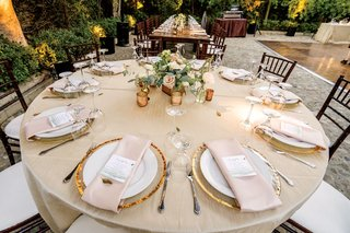 wedding-reception-round-table-gold-charger-plate-small-short-centerpiece-pink-ivory-greenery-flowers