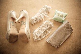 rhinestone-i-do-shoe-appliques-and-garters