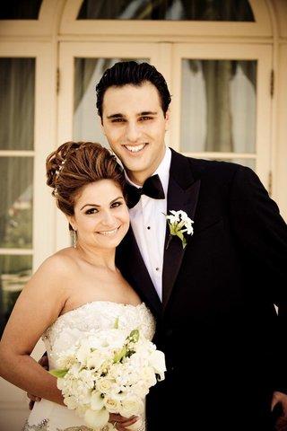 armenian-woman-and-man-on-wedding-day