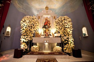 armenian-church-altar-decorated-with-white-roses