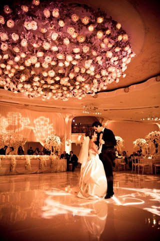 armenian-newlyweds-dancing-in-ballroom