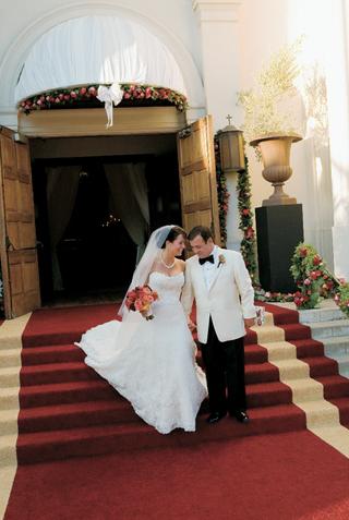 michael-gallo-owner-of-joseph-gallo-farms-in-a-tuxedo-with-a-white-blazer-and-bride-in-vera-wang