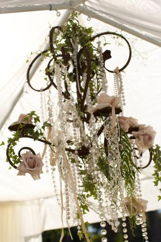 crystals-and-pearls-hanging-from-wedding-canopy