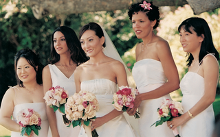varying-bridesmaid-gowns-in-same-color