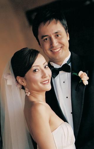 strapless-wedding-dress-and-black-tuxedo