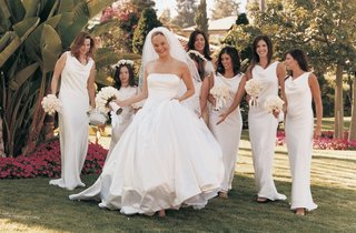 the-bride-with-her-bridesmaids-in-garden