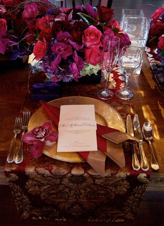 custom-patterned-tablecloth-with-gold-charger-plate