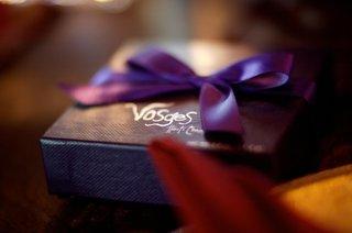 wedding-favors-in-purple-box-with-purple-ribbon