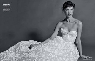 black-and-white-photo-of-amsale-wedding-dress