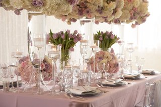 wedding-reception-table-inspiration-purple-tulips-low-hydrangea-rose-flowers-tall-matching-flowers