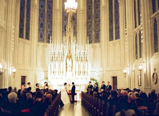 church-wedding-ceremony-saint-james-chapel-in-chicago-christian-wedding-ceremony